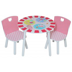 Patisserie table & chairs in a durable painted finish.