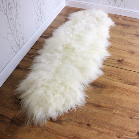 Andri Icelandic Sheepskin Runner natural off white