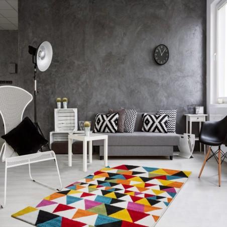Huriel Triangular Patterned Rug Room Shot