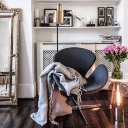 Swan Lounge Chair room shot